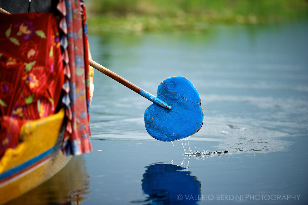 The hearth shaped colourful row of a Shikara. Dal Lake pullulates with this boat mainly used to transport tourists from the mainland to their rooms on the floating houseboats. Srinagar. Kashmir. India