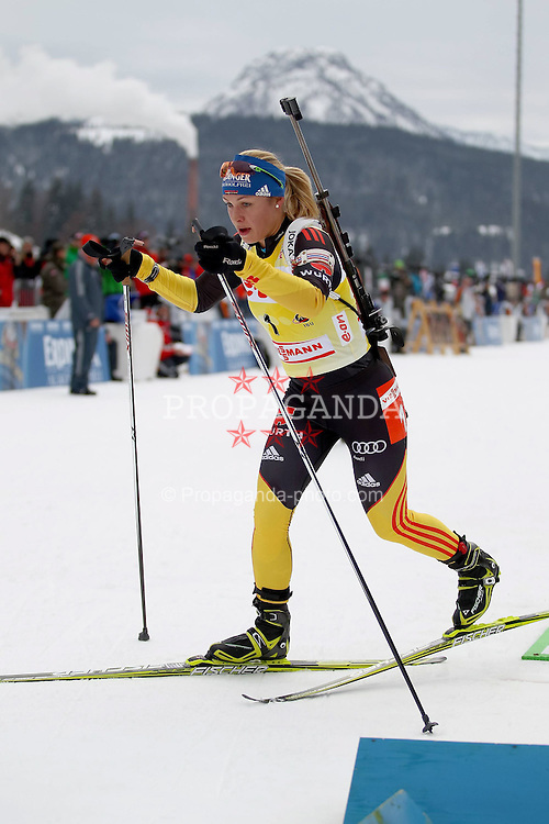 10.12.2011, Biathlonzentrum, Hochfilzen, AUT, E.ON IBU Weltcup, 2. Biathlon, Hochfilzen, Verfolgung Damen, im Bild Neuner Magdalena (GER) verlaesst als erste den schiessstand // during E.ON IBU World Cup 2th Biathlon, Hochfilzen, Austria on 2011/12/10. EXPA Pictures © 2011. EXPA Pictures © 2011, PhotoCredit: EXPA/ nph/ Straubmeier..***** ATTENTION - OUT OF GER, CRO *****