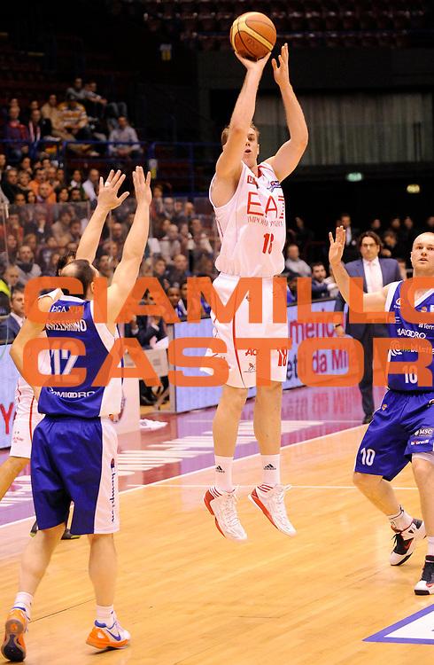 DESCRIZIONE : Milano Lega A 2012-13 EA7 Olimpia Armani Milano CheBolletta Cantu' <br /> GIOCATORE : Nicolo' Melli<br /> SQUADRA : EA7 Olimpia Armani Milano <br /> EVENTO : Campionato Lega A 2012-2013<br /> GARA :  EA7 Olimpia Armani Milano CheBolletta Cantu'<br /> DATA : 06/01/2013<br /> CATEGORIA : Tiro <br /> SPORT : Pallacanestro<br /> AUTORE : Agenzia Ciamillo-Castoria/A.Giberti<br /> Galleria : Lega Basket A 2012-2013<br /> Fotonotizia : Milano Lega A 2012-13 EA7 Olimpia Armani Milano CheBolletta Cantu'<br /> Predefinita :