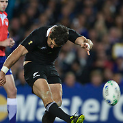 Stephen Donald, New Zealand kicks a penalty during the New Zealand V France Final at the IRB Rugby World Cup tournament, Eden Park, Auckland, New Zealand. 23rd October 2011. Photo Tim Clayton...