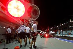 Motorsports / Formula 1: World Championship 2010, GP of Singapore, feature, traffic lights, Ampel, Licht, rot, red
