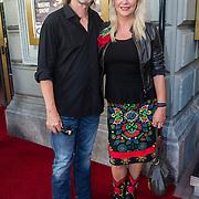 NLD/Amsterdam/20130903 - Inloop premiere Stiletto 2, Manuela Kemp en partner Tjerk Lammers
