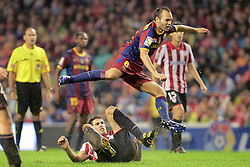 25.09.2010, San Mames, Bilbao, ESP, Primera Division, Athletic Bilbao vs FC Barcelona, im Bild FC Barcelona's Andres Iniesta (t) and Athletic de Bilbao's Javi Martinez during La Liga match. EXPA Pictures © 2010, PhotoCredit: EXPA/ Alterphotos/ Acero +++++ ATTENTION - OUT OF SPAIN / ESP +++++