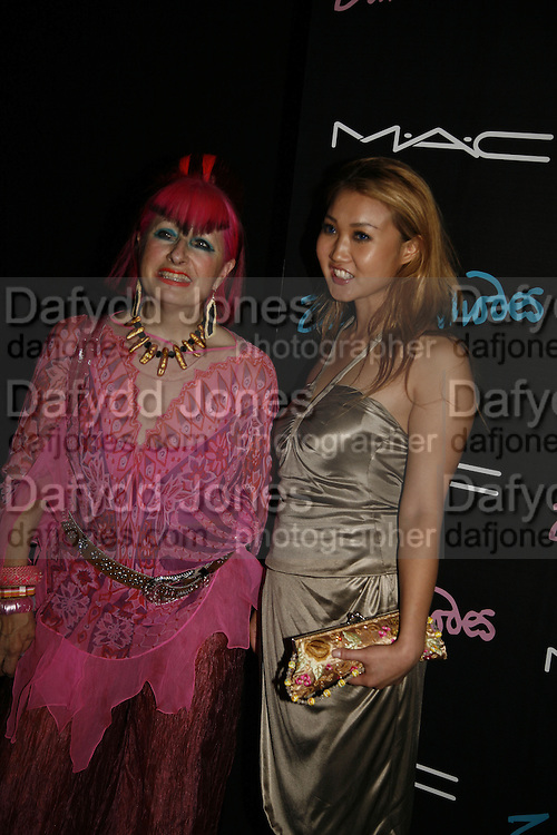 Zandra Rhodes and Devon Aoki, Mac  hosts party for Zandra Rhodes to celebrate her return to the runway and the launch of her collection of M.A.C. cosmetics. Silver. Hanover Sq. 20 September 2006. ONE TIME USE ONLY - DO NOT ARCHIVE  © Copyright Photograph by Dafydd Jones 66 Stockwell Park Rd. London SW9 0DA Tel 020 7733 0108 www.dafjones.com