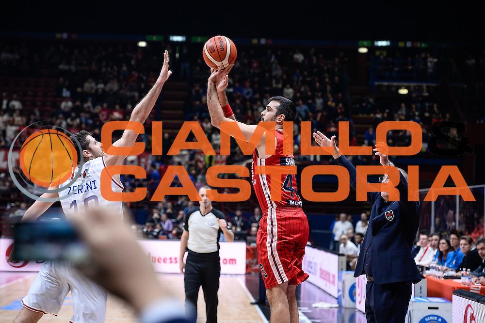 DESCRIZIONE : Milano Lega A 2015-16 <br /> GIOCATORE : Krunoslav Simon<br /> CATEGORIA : Tiro Tre Punti <br /> SQUADRA : Olimpia EA7 Emporio Armani Milano<br /> EVENTO : Campionato Lega A 2015-2016<br /> GARA : Olimpia EA7 Emporio Armani Milano Enel Brindisi<br /> DATA : 20/12/2015<br /> SPORT : Pallacanestro<br /> AUTORE : Agenzia Ciamillo-Castoria/M.Ozbot<br /> Galleria : Lega Basket A 2015-2016 <br /> Fotonotizia: Milano Lega A 2015-16