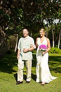 Nicole and Tyler's beautiful beach wedding in Hawaii