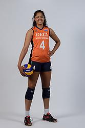 21-05-2014 NED: Selectie Nederlands volleybal team vrouwen, Arnhem<br /> Op Papendal werd het Nederlands team volleybal seizoen 2014-2015 gepresenteerd / Celeste Plak