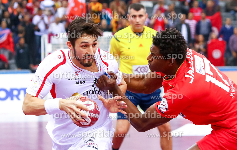 19.01.2015, Ali Bin Hamad Al Attiyah Arena, Doha, QAT, IHF, Handball Weltmeisterschaft der Herren, Gruppe B, Österreich vs Tunesien, im Bild Fabian Posch (AUT), Wael Jallouz (TUN) // during the IHF Handball World Championship group B match between Austria and Tunisia at the Ali Bin Hamad Al Attiyah Arena, Doha, Qatar on 2015/01/19. EXPA Pictures © 2015, PhotoCredit: EXPA/ Sebastian Pucher
