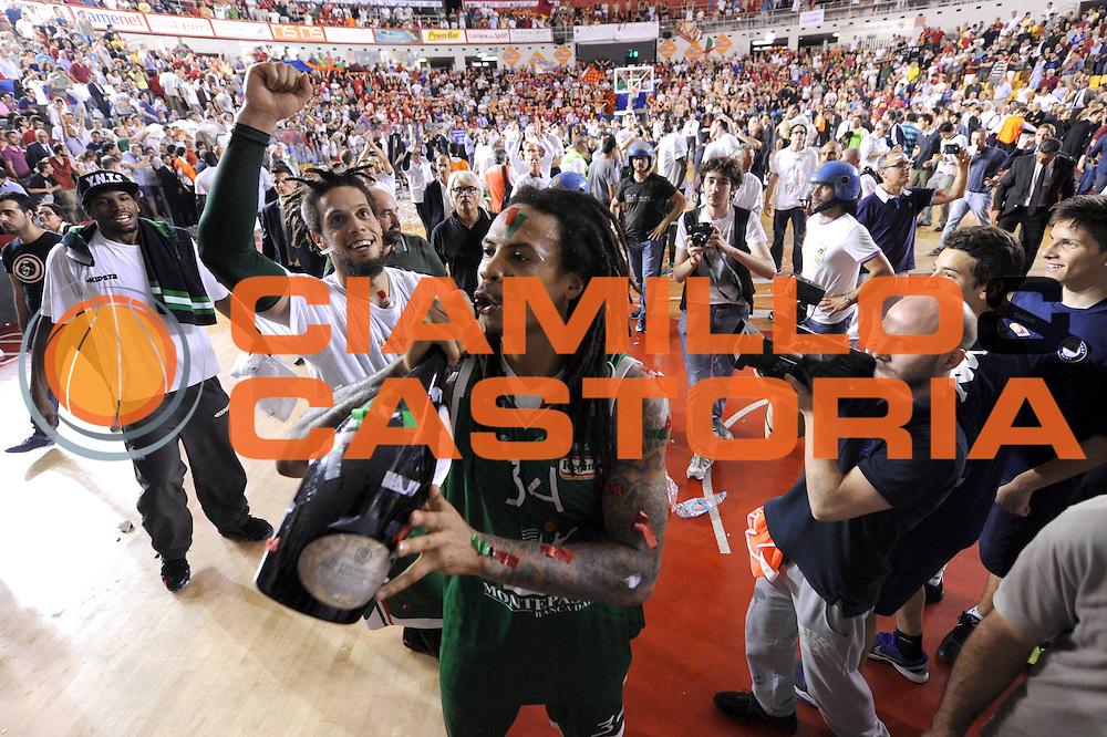 DESCRIZIONE : Roma Lega A 2012-2013 Acea Roma Montepaschi Siena playoff finale gara 5<br /> GIOCATORE : David Moss<br /> CATEGORIA : esultanza<br /> SQUADRA : Acea Roma Montepaschi Siena<br /> EVENTO : Campionato Lega A 2012-2013 playoff finale gara 5<br /> GARA : Acea Roma Montepaschi Siena<br /> DATA : 19/06/2013<br /> SPORT : Pallacanestro <br /> AUTORE : Agenzia Ciamillo-Castoria/C.De Massis<br /> Galleria : Lega Basket A 2012-2013  <br /> Fotonotizia : Roma Lega A 2012-2013 Acea Roma Montepaschi Siena playoff finale gara 5<br /> Predefinita :