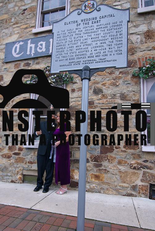 11/11/11 Elkton MD: Wedding portrait of William M. Stevens and Susan M Stevens of New Castle Delaware Friday, Nov. 11, 2011 at Elkton Wedding Chapel in Elkton Maryland.<br /> <br /> Special to The News Journal/SAQUAN STIMPSON