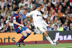 10.04.2010, Estadio Santiago Bernabeu, Madrid, ESP, Primera Division, Real Madrid vs FC Barcelona, im Bild Gabi Milito and Cristiano Ronaldo. EXPA Pictures © 2010, PhotoCredit: EXPA/ Alterphotos/ Cesar Cebolla / SPORTIDA PHOTO AGENCY