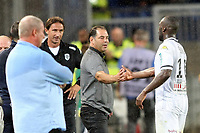 Rolland Courbis (Entraineur Montpellier) et Stephane MOULIN, entraineur Angers SCO joie but