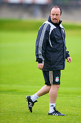 LIVERPOOL, ENGLAND - Tuesday, September 30, 2008: Liverpool's manager Rafael Benitez during training at Melwood ahead of the UEFA Champions League Group D match against PSV Eindhoven. (Photo by David Rawcliffe/Propaganda)
