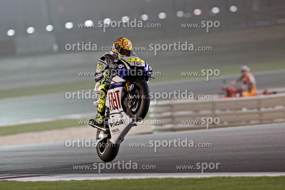 10.04.2010, Losail Circuit, Doha, QAT, MotoGP Qatar 2010, Qualification, im Bild Valentino Rossi - Fiat Yamaha team. EXPA Pictures © 2010, PhotoCredit: EXPA/ InsideFoto/ Semedia / SPORTIDA PHOTO AGENCY