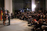 04 FEB 2005, BERLIN/GERMANY:<br /> Condoleezza Rice (L), Aussenministerin USA, und Gerhard Schroeder (2.v.L.), SPD, Bundeskanzler, waehrend einer Pressekonferenz, Bundeskanzleramt<br /> Condoleezza Rice (L), Secretary of State for Foreign Affairs of the USA, and Gerhard Schroeder (2nd L), Federal Chancellor of Germany, during a press conference, federal chancellory<br /> IMAGE: 20050204-01-024<br /> KEYWORDS: Gerhard Schröder, Vereinigte Staaten von Amerika, Journalist, Journalisten, Kamera, Camera, Fotograf, Fotografen