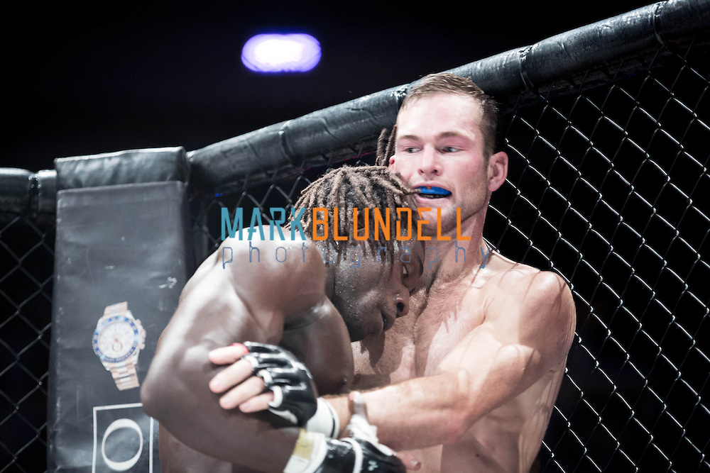 Bill Beaumont vs. Makunga Bunduku