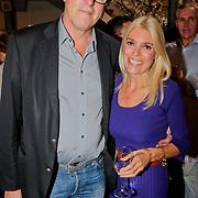 NLD/Amsterdam/20110929 - Presentatie biografie Mies Bouwman, Bert van der Veer en partner Judith Osborn