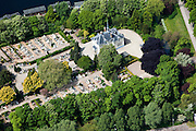Nederland, Amsterdam, Westerpark, 25-05-2010.  Begraafplaats Vredenhof met aula. .Cemetery Vredenhof with auditorium..luchtfoto (toeslag), aerial photo (additional fee required).foto/photo Siebe Swart