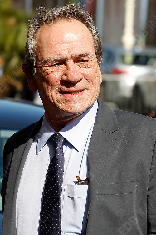 27.SEPTEMBER.2012. SAN SEBASTIAN<br /> <br /> TOMMY LEE JONES ARRIVES AT THE MARIA CRISTINA HOTEL FOR THE SAN SEBASTIAN FILM FESTIVAL.<br /> <br /> BYLINE: EDBIMAGEARCHIVE.CO.UK<br /> <br /> *THIS IMAGE IS STRICTLY FOR UK NEWSPAPERS AND MAGAZINES ONLY*<br /> *FOR WORLD WIDE SALES AND WEB USE PLEASE CONTACT EDBIMAGEARCHIVE - 0208 954 5968*