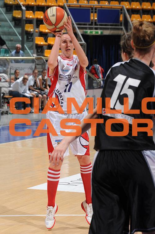 DESCRIZIONE : Bologna Lega A2 Femminile 2011-12 Coppa Italia Final4 Tagliatella Cup Semifinale Meccanica Nova Bologna Termocarispe La Spezia<br /> GIOCATORE : Eleonora Costi<br /> CATEGORIA : tiro<br /> SQUADRA : Meccanica Nova Bologna <br /> EVENTO : Campionato Lega A1 Femminile 2011-2012 <br /> GARA : Meccanica Nova Bologna Termocarispe La Spezia<br /> DATA : 04/04/2012 <br /> SPORT : Pallacanestro <br /> AUTORE : Agenzia Ciamillo-Castoria/M.Marchi<br /> Galleria : Lega Basket Femminile 2011-2012 <br /> Fotonotizia : Bologna Lega A2 Femminile 2011-12 Coppa Italia Final4 Tagliatella Cup Semifinale Meccanica Nova Bologna Termocarispe La Spezia<br /> Predefinita :