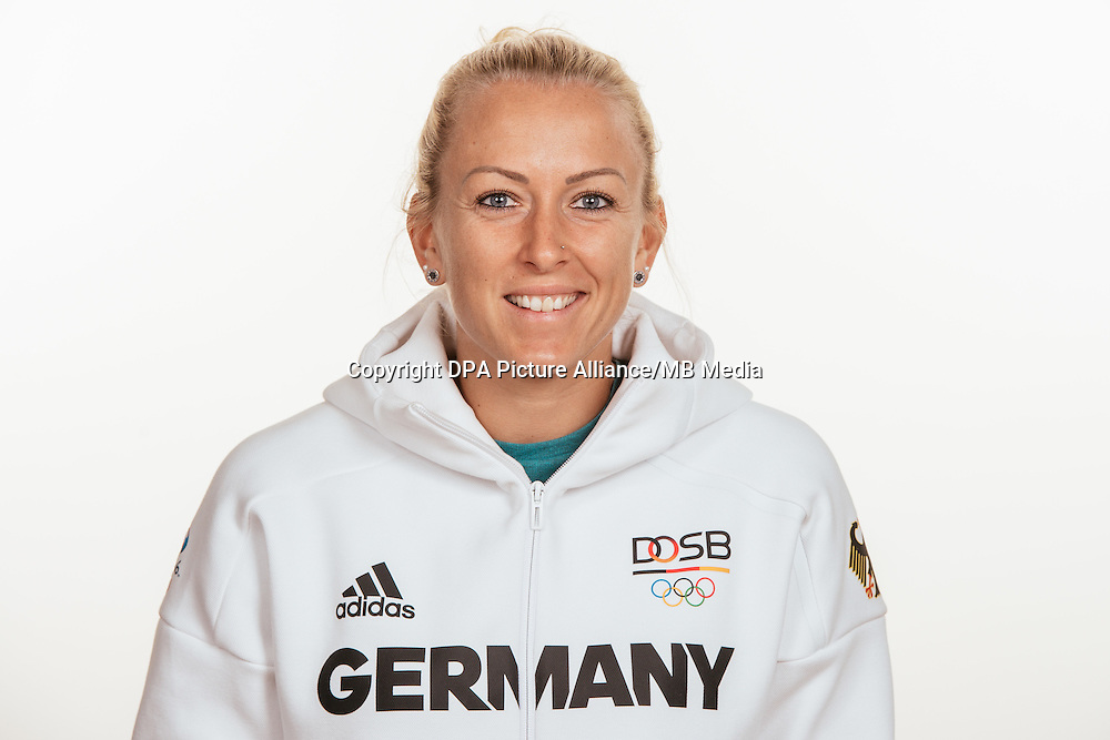 Mandy Islacker poses at a photocall during the preparations for the Olympic Games in Rio at the Emmich Cambrai Barracks in Hanover, Germany, taken on 15/07/16 | usage worldwide