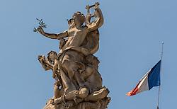 09.06.2016, Paris, FRA, UEFA Euro, Frankreich, Vorberichte, im Bild eine Statue mit einer Französischen Flagge // a statue with a French flag during preperation for the UEFA EURO 2016 France. Paris, France on 2016/06/09. EXPA Pictures © 2016, PhotoCredit: EXPA/ JFK