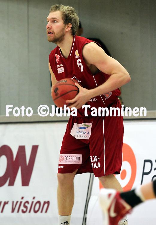 22.3.2013, Urheilutalo, Lahti..Korisliiga 2012-13, Namika Lahti - Lappeenrannan NMKY..Tuomas Viertola - LrNMKY