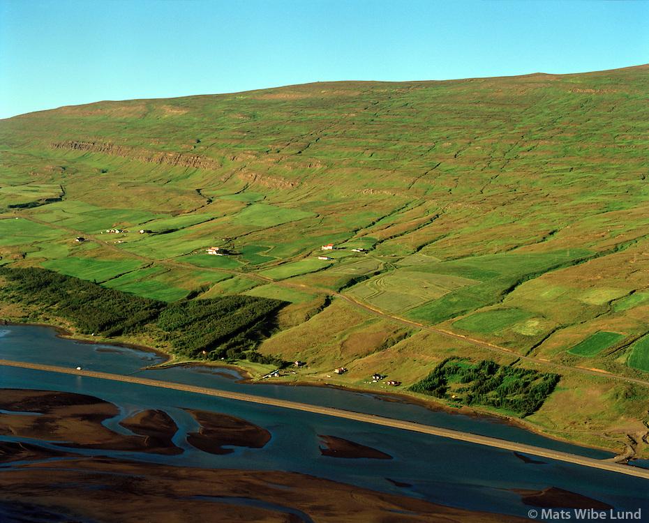 Syðri-Varðgjá séð til norðausturs, Eyjafjarðarsveit áður Öngulsstaðahreppur. / Sydri-Vardgja viewing northeast, Eyjafjardarsveit former Ongulsstadahreppur.