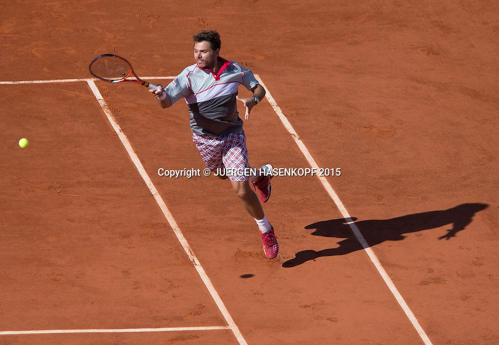 Stan Wawrinka (SUI) mit Schatten,von oben, Herren Finale,Endspiel,<br /> <br /> Tennis - French Open 2015 - Grand Slam ITF / ATP / WTA -  Roland Garros - Paris -  - France  - 7 June 2015.