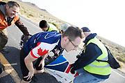 Alan Petit tijdens de zesde en laatste racedag. In Battle Mountain (Nevada) wordt ieder jaar de World Human Powered Speed Challenge gehouden. Tijdens deze wedstrijd wordt geprobeerd zo hard mogelijk te fietsen op pure menskracht. De deelnemers bestaan zowel uit teams van universiteiten als uit hobbyisten. Met de gestroomlijnde fietsen willen ze laten zien wat mogelijk is met menskracht.<br /> <br /> In Battle Mountain (Nevada) each year the World Human Powered Speed ??Challenge is held. During this race they try to ride on pure manpower as hard as possible.The participants consist of both teams from universities and from hobbyists. With the sleek bikes they want to show what is possible with human power.