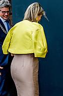 AMERSFOORT - Koningin Maxima arriveert bij het congres Gender & Gezondheid van WOMEN Inc. in de Rijtuigenloods in Amersfoort. Tijdens de bijeenkomst staan de nieuwste ontwikkelingen in onderzoek, preventie, diagnose en behandeling binnen gendersensitieve gezondheidszorg centraal. ANP ROYAL IMAGES ROBIN UTRECHT