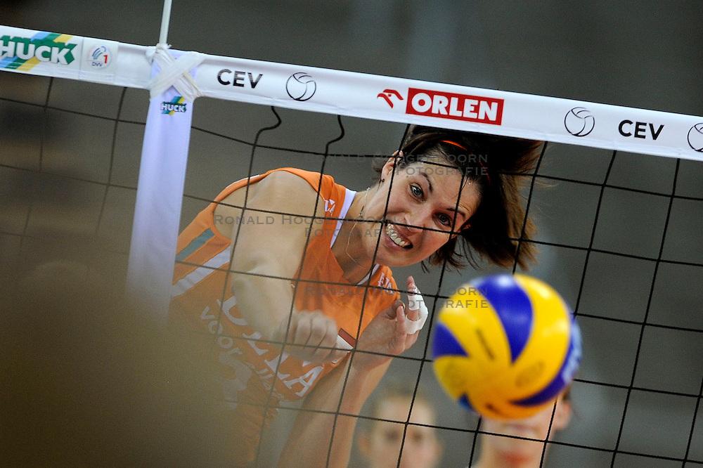 30-09-2009 VOLLEYBAL: EUROPEES KAMPIOENSCHAP NEDERLAND - BELGIE: LODZ<br /> Nederland is groepswinnaar en wint opnieuw. Belgie wordt met 3-0 verslagen / Francien Huurman<br /> &copy;2009-WWW.FOTOHOOGENDOORN.NL