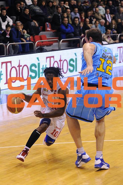 DESCRIZIONE : Milano Lega A 2009-10 Armani Jeans Milano Vanoli Cremona<br />GIOCATORE : Morris Finley<br />SQUADRA : Armani Jeans Milano<br />EVENTO : Campionato Lega A 2009-2010 <br />GARA : Armani Jeans Milano Vanoli Cremona<br />DATA : 20/12/2009<br />CATEGORIA : penetrazione<br />SPORT : Pallacanestro <br />AUTORE : Agenzia Ciamillo-Castoria/A.Dealberto<br /> Galleria : Lega Basket A 2009-2010 <br />Fotonotizia : Milano Campionato Italiano Lega A 2009-2010 Armani Jeans Milano Vanoli Cremona<br />Predefinita :