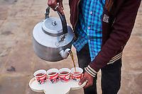 Inde, état d'Uttar Pradesh, Varanasi (Bénarès), tea time // Asia, India, Uttar Pradesh, Varanasi (Benares), tea time