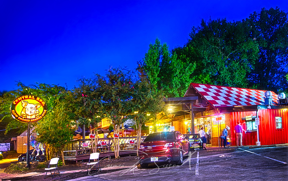 Central BBQ is illuminated at night, Sept. 14, 2015, on Central Aveue in Memphis, Tennessee. The restaurant was founded in 2002 and specializes in slow-smoked, Memphis-style ribs. Their barbecue is consistently ranked among the best in Memphis and has been featured in numerous magazines and television shows. (Photo by Carmen K. Sisson/Cloudybright)