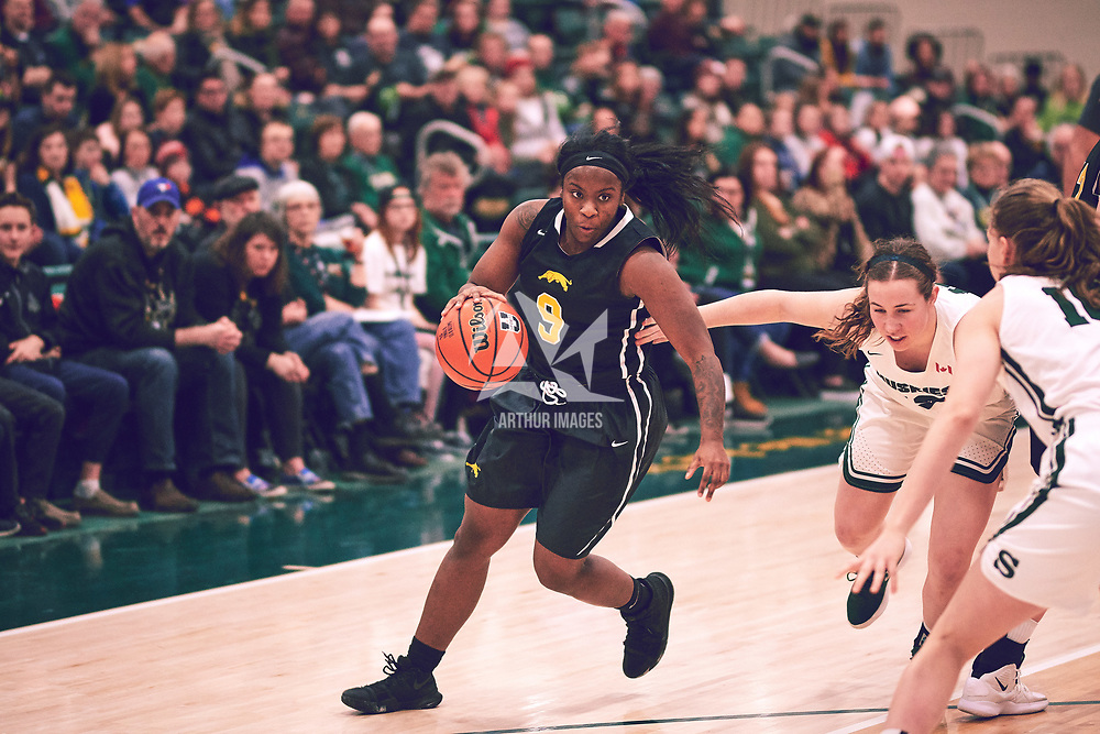 3rd year guard, Kyanna Giles (9) of the Regina Cougars during the Women's Basketball Home Game on Sat Feb 02 at Centre for Kinesiology,Health and Sport. Credit: Arthur Ward/Arthur Images