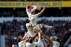 Bath replacement Dominic Day and Saracens Lock George Kruis compete at a lineout - Photo mandatory by-line: Rogan Thomson/JMP - 07966 386802 - 30/05/2015 - SPORT - RUGBY UNION - London, England - Twickenham Stadium - Bath Rugby v Saracens - 2015 Aviva Premiership Final.