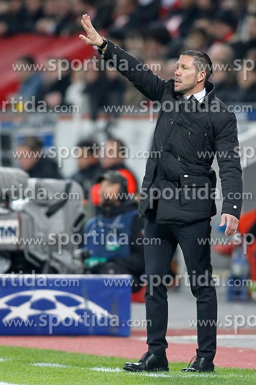 25.02.2015, BayArena, Leverkusen, GER, UEFA EL, Bayer 04 Leverkusen vs Atletico Madrid, 1. Runde, R&uuml;ckspiel, im Bild Trainer Diego Simeone (Atletico Madrid) // during the UEFA Europa League 1st Round, 2nd Leg match between Bayer 04 Leverkusen and Atletico Madrid at the BayArena in Leverkusen, Germany on 2015/02/25. EXPA Pictures &copy; 2015, PhotoCredit: EXPA/ Eibner-Pressefoto/ Schueler<br /> <br /> *****ATTENTION - OUT of GER*****
