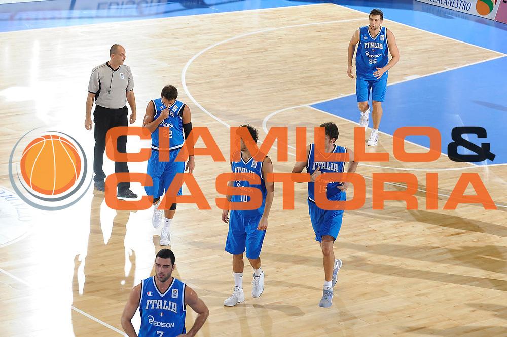 DESCRIZIONE : Cagliari Eurobasket Men 2009 Additional Qualifying Round Italia Francia<br /> GIOCATORE : Team Nazionale Italiana<br /> SQUADRA : Italia Italy Nazionale Italiana Maschile<br /> EVENTO : Eurobasket Men 2009 Additional Qualifying Round <br /> GARA : Italia Francia Italy France<br /> DATA : 05/08/2009 <br /> CATEGORIA : delusione<br /> SPORT : Pallacanestro <br /> AUTORE : Agenzia Ciamillo-Castoria/G.Ciamillo
