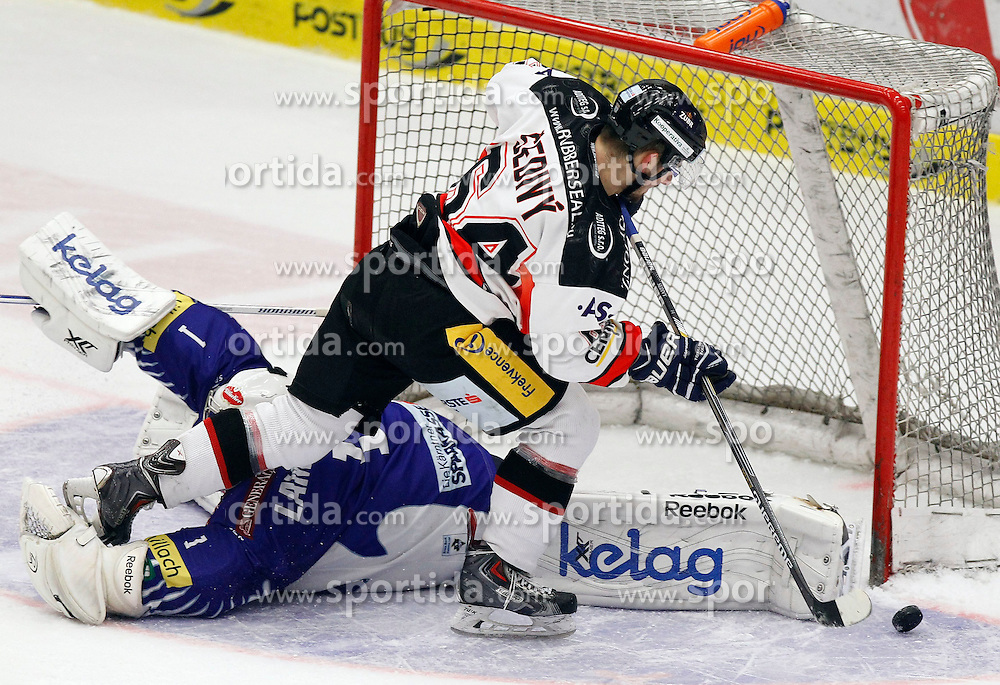 22.02.2015, Stadthalle, Villach, AUT, EBEL, EC VSV vs HC Orli Znojmo, Plazierungsrunde, im Bild v.l. Jean Philippe Lamoureux (VSV) und Ondrej Sedivy (Znojmo) // during the Erste Bank Icehockey League placement round match between EC VSV vs HC Orli Znojmo at the City Hall in Villach, Austria on 2015/02/22, EXPA Pictures © 2015, PhotoCredit: EXPA/ Oskar Hoeher