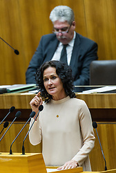 08.03.2016, Parlament, Wien, AUT, Parlament, Nationalratssitzung, Sondersitzung des Nationalrates mit einer Dringlichen Anfrage der NEOS zum Thema &quot;Reformpanne &ndash; Pensionssystem ungebremst auf Crashkurs!&quot;, im Bild Gr&uuml;ne Klubobfrau Eva Glawischnig vor Bundesminister f&uuml;r Finanzen Hans J&ouml;rg Schelling (&Ouml;VP) // Leader of the parliamentary group the greens Eva Glawischnig<br />  in front of Austrian Minister of Finance Hans Joerg Schelling during meeting of the National Council of austria at austrian parliament in Vienna, Austria on 2016/03/08, EXPA Pictures &copy; 2016, PhotoCredit: EXPA/ Michael Gruber
