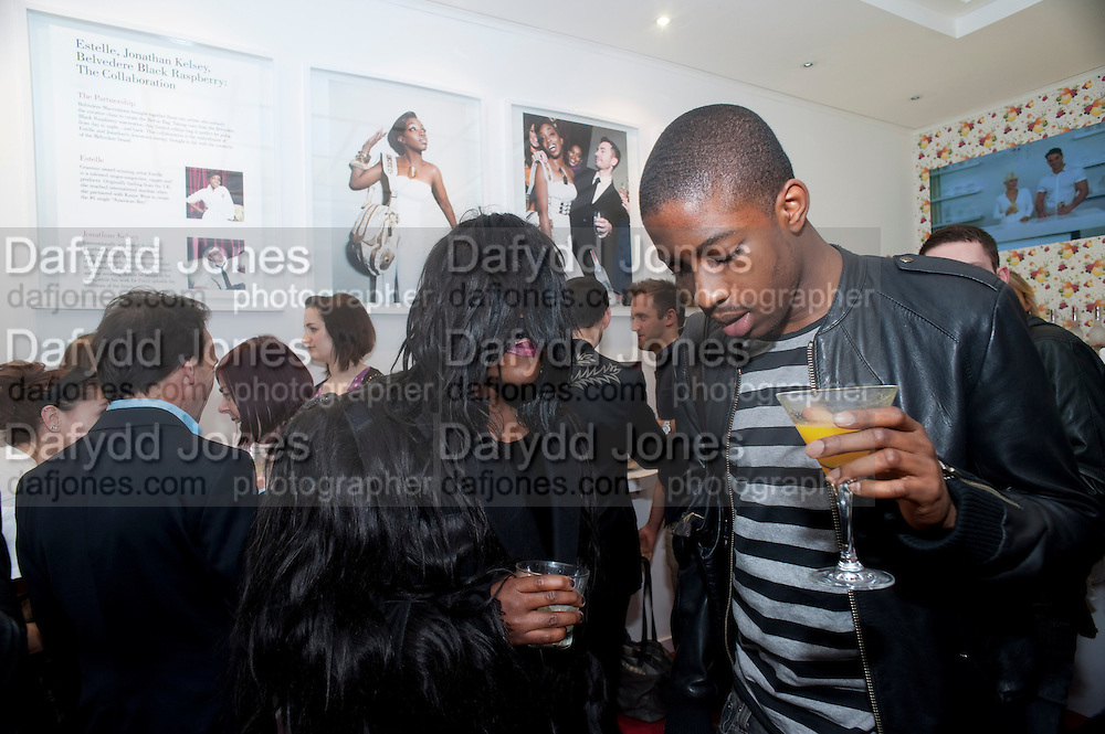 JODIE HARSH; THEO FROM HOUSE OF BLUE EYES; EMANUEL EZUGWU. Launch party of the new Belvedere Black Raspberry Maceration Vodka hosted by Estelle and Jonathan Kelsey, at the Belvedere Pop-Up Shop. Mount St. London. 6 May 2009