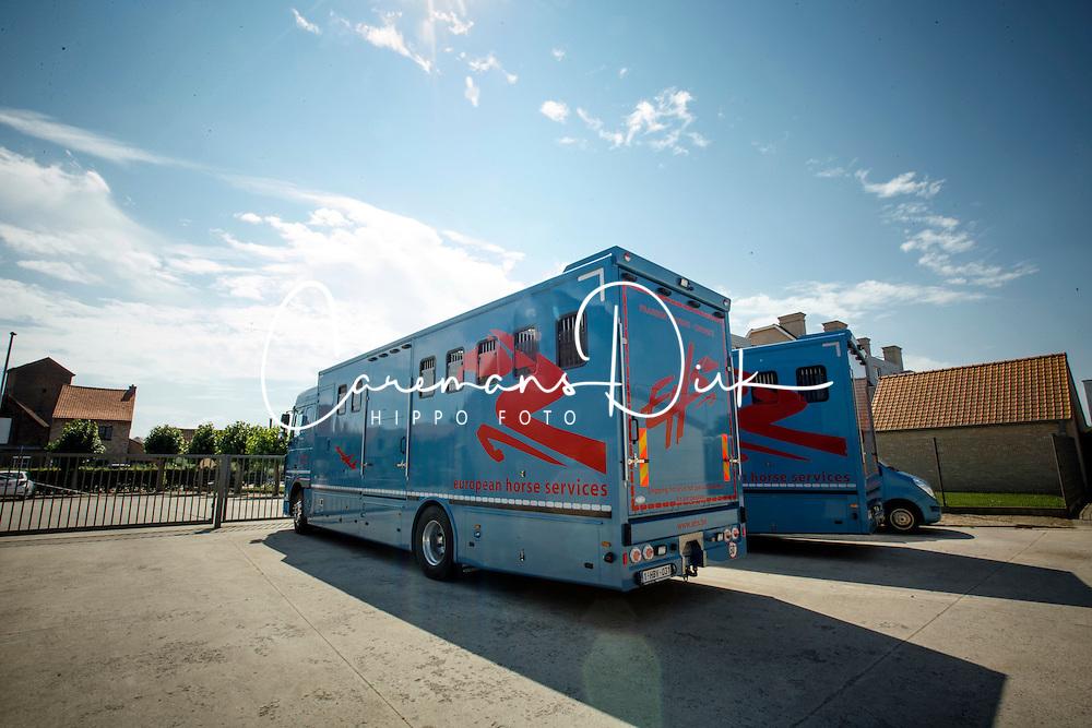 European Horse Services, Worldwide horse transportation by air <br /> Meetkerke 2014<br /> &copy; Dirk Caremans