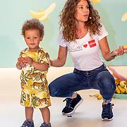 NLD/Amststelveen/20190619 Modeshow kledinglijn Yolathe Cabau van kasbergen genaamd  Bananas&Bananas,, showen kleding door kinderen