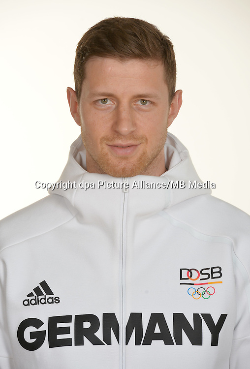 Martin Strobel poses at a photocall during the preparations for the Olympic Games in Rio at the Emmich Cambrai Barracks in Hanover, Germany. July 27, 2016. Photo credit: Frank May/ picture alliance. | usage worldwide