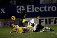 Photo: Marc Atkins.<br />Luton Town v Preston North End. Coca Cola Championship. 02/12/2006. Warren Feeney (R) of Luton goes close with a late headed chance.