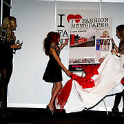 NLD/Amsterdam/20100215 -  inloop verkiezing Miss i Love Fashion, onthulling cover i love fashion newspaper door Christina Curry