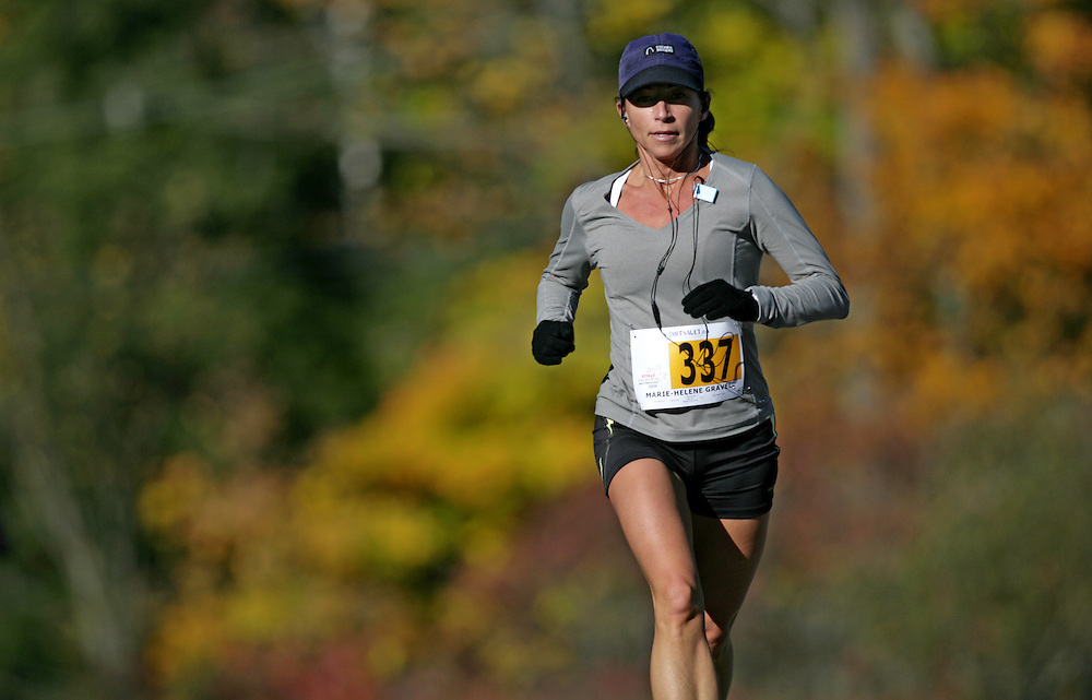 "(Ottawa (Cumberland), Ontario -- 11 Oct 2009) Marie-Helene Gravel competes in the 2009 Ottawa Fall Colours Half-Marathon in Cumberland. [Photo credit should read ""Sean Burges / Mundo Sport Images""]"