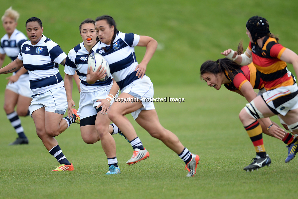 Auckland Storm's Ruahei Demant tries to break away during the Women's Rugby NPC Semi Final, Auckland Storm v Waikato. Auckland, New Zealand on Saturday 10 October 2015. Copyright Photo: Raghavan Venugopal / www.photosport.nz
