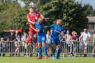 Nicolas Mortensen og Jonas Henriksen (FC Helsingør) når højere end Silas Trier (Skovshoved IF) under kampen i 2. Division mellem Skovshoved IF og FC Helsingør den 3. august 2019 i Skovshoved Idrætspark (Foto: Claus Birch)
